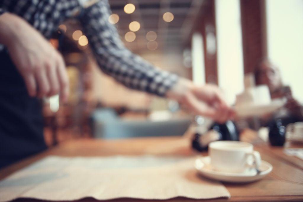 Servire in un coffee shop third wave