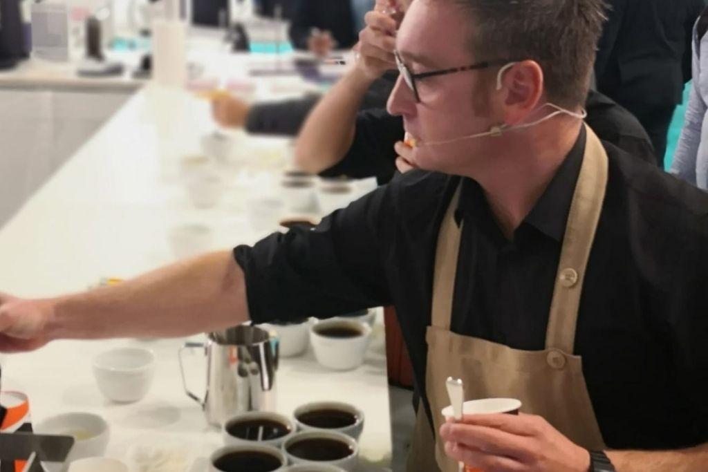 Tecnica e creatività in tazza: la qualità del caffè secondo Andrea Guerra